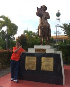 Dr. Ed at Statue of Gen Jose Alejandrino